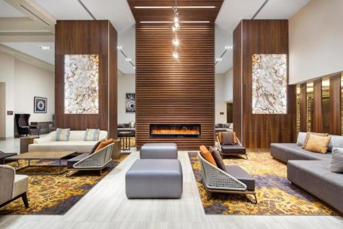 A seating area at Doubletree by Hilton Toronto Airport, ON