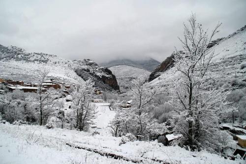 Hotel Restaurante Valdevenados en invierno