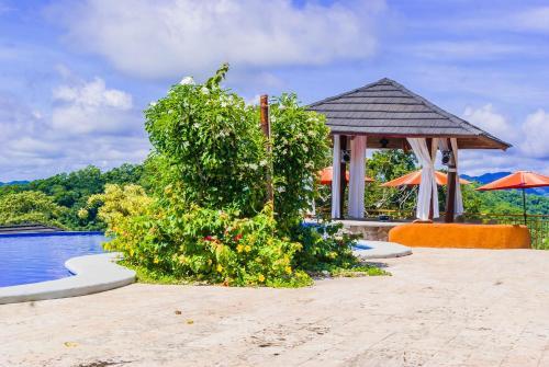 Бассейн в Eco Boutique Hotel Vista Las Islas Reserva Natural или поблизости