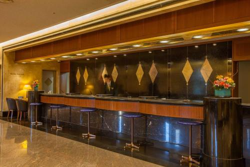 The lobby or reception area at Hotel New Otani Makuhari
