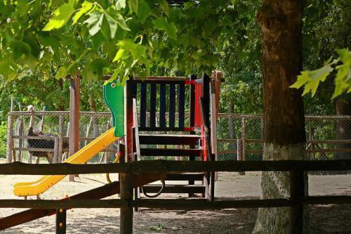 Hotel Nemesis tesisinde çocuk oyun alanı