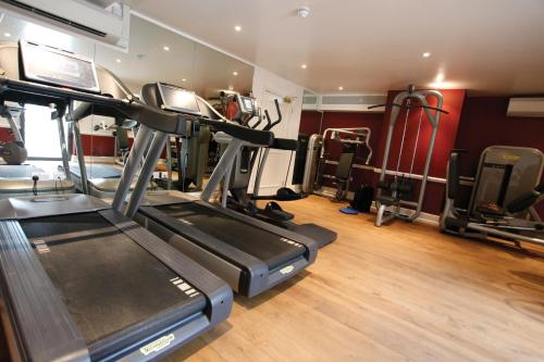 The fitness centre and/or fitness facilities at Ellenborough Park