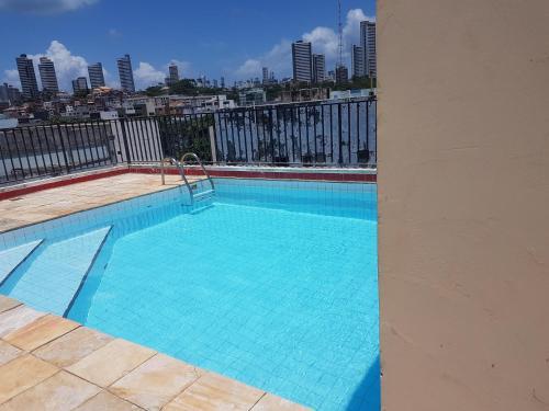 The swimming pool at or close to EDIFÍCIO METROPOLE ONDINA