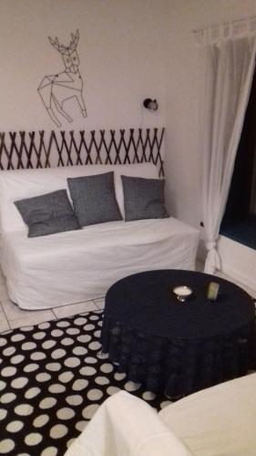 A bed or beds in a room at Simple Life House