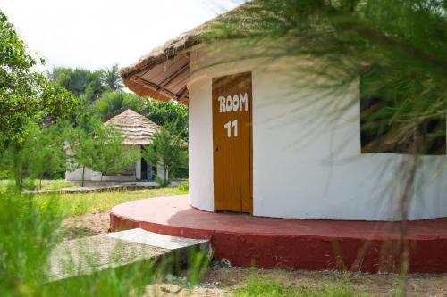 Tamba Kuruba Eco-lodge