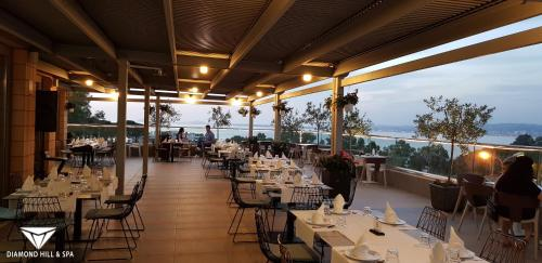 A restaurant or other place to eat at Diamond Hill Resort & SPA