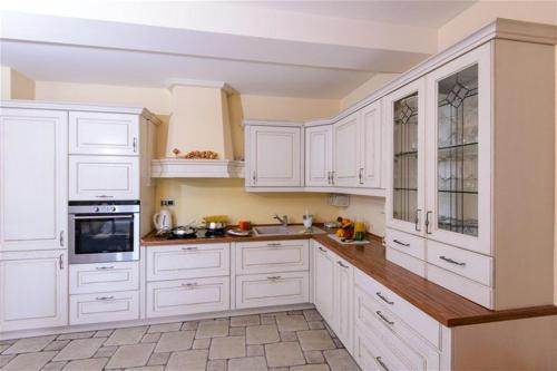 A kitchen or kitchenette at Villa Gorica a luxury villa in Dubrovnik