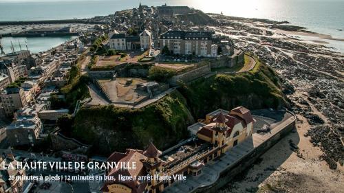 A bird's-eye view of Brit Hotel Essentiel de Granville