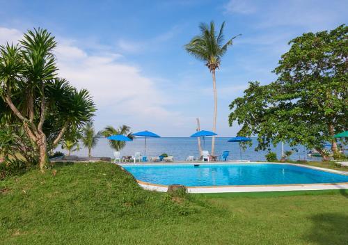 Swimmingpoolen hos eller tæt på Elephant Bay Resort