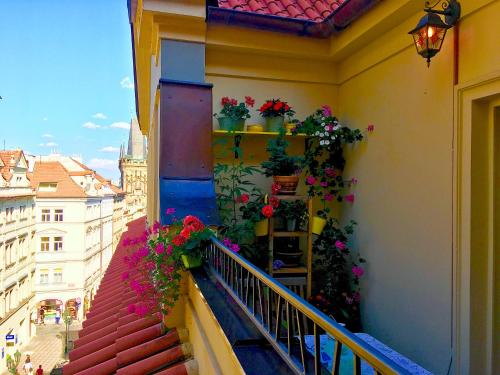 Balcone o terrazza di STEPS AWAY FROM CHARLES BRIDGE - 3room apartment with balcony