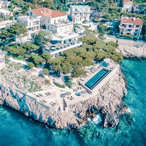 A bird's-eye view of Hôtel Les Roches Blanches Cassis