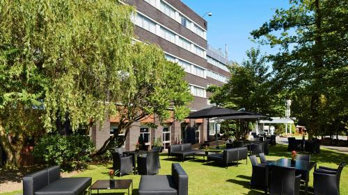 A restaurant or other place to eat at Grand Hotel Gosforth Park