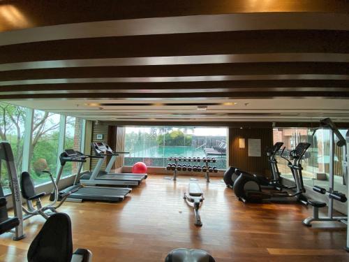 Welcomhotel by ITC Hotels, Richmond Road, Bengaluruにあるフィットネスセンターまたはフィットネス設備
