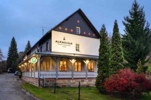 MAXMILLIAN Pension & Restaurant