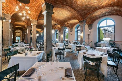 Ресторан / где поесть в Martin's Grand Hotel