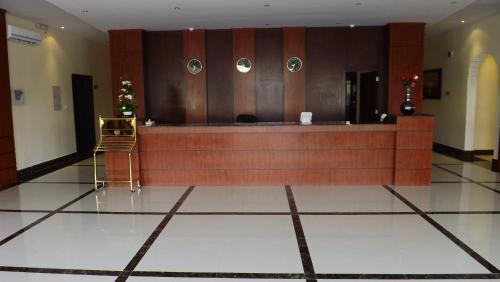 O saguão ou recepção de Taleen AlMasif hotel apartments
