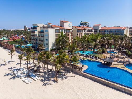 Uma vista da piscina em Beach Park Resort - Acqua ou nos arredores