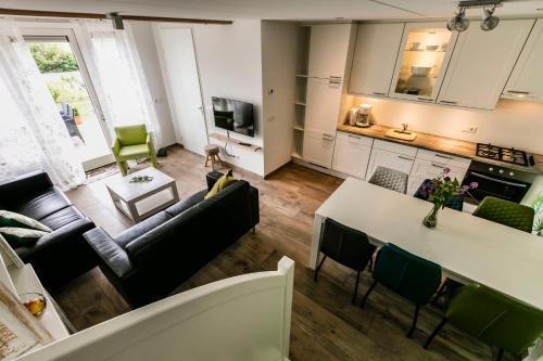 Een keuken of kitchenette bij Hofwestdijk