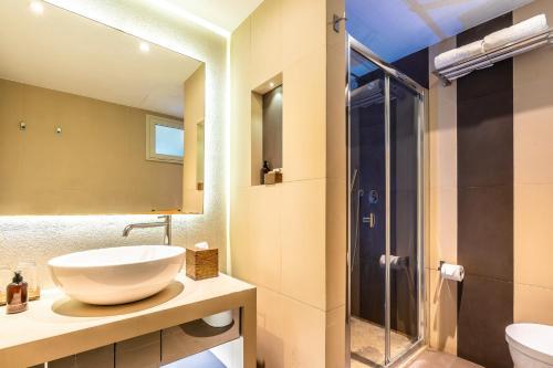 A bathroom at Hotel La Gemma dell'Est - All Inclusive