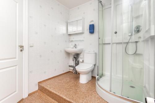 A bathroom at Mjoeyri Travel Holiday Homes