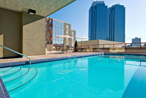 The swimming pool at or near Holiday Inn Express Vancouver-Metrotown (Burnaby)