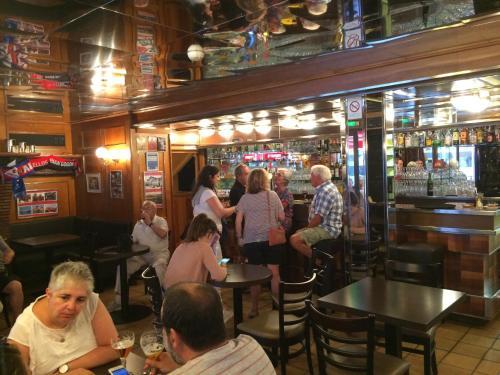 Restaurant ou autre lieu de restauration dans l'établissement La Côte d'Argent