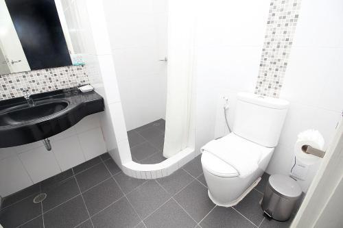 A bathroom at Simplitel
