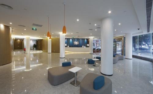 Holiday Inn Express - Xiamen City Center, an IHG Hotelのロビーまたはフロント