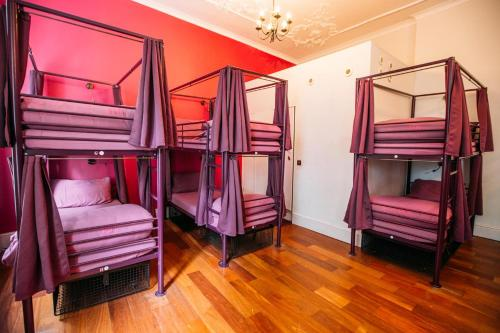 A bunk bed or bunk beds in a room at Safestay York