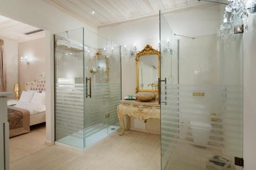 A bathroom at Elegance East Hotel