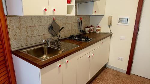 A kitchen or kitchenette at CASA BONADIES