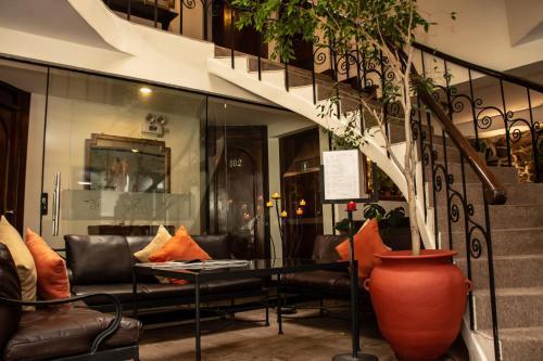 The lobby or reception area at Hotel Encantada Casa Boutique Spa
