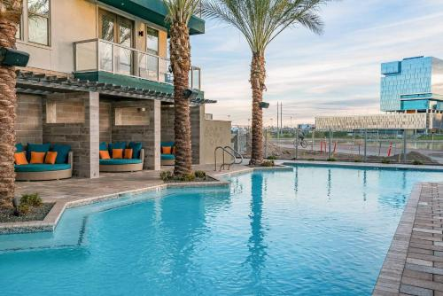 The swimming pool at or near WanderJaunt - Ambrose - 1BR - Tempe