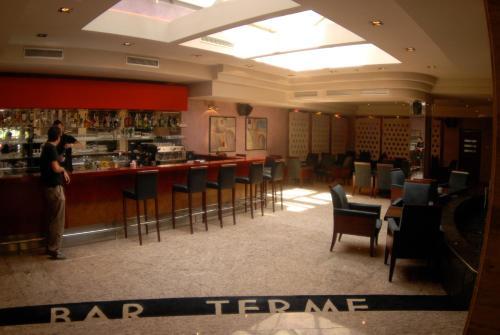 منطقة البار أو اللاونج في فندق سبا تيرمي