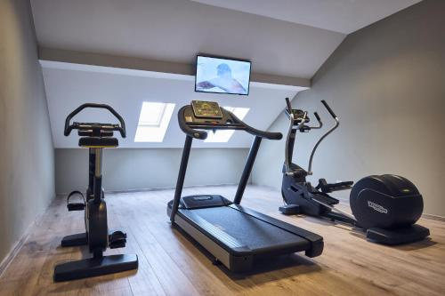 The fitness center and/or fitness facilities at Hotel Tresor Le Palais