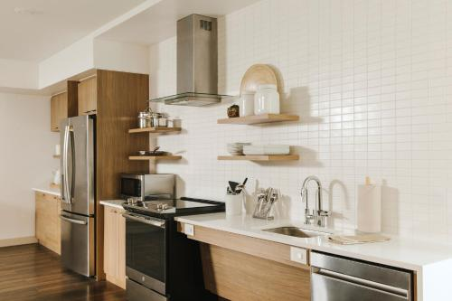 A kitchen or kitchenette at Element Boulder Superior
