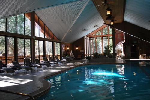 The swimming pool at or near Double Eagle Resort and Spa