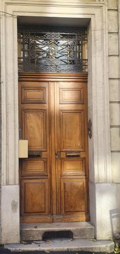 The facade or entrance of Loft Luxe Liberté 2