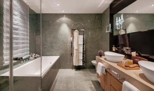 Ein Badezimmer in der Unterkunft Giardino Mountain