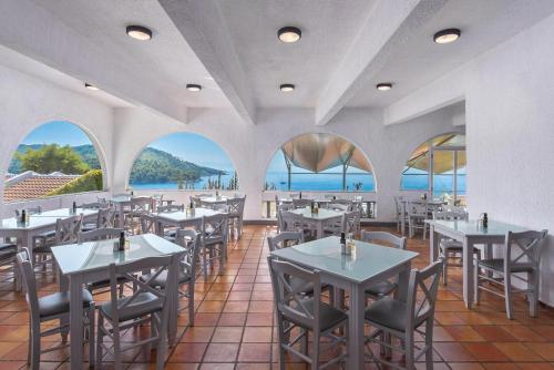 A restaurant or other place to eat at Adrina Beach Hotel