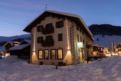 Castellani Livigno Apartments v zimě