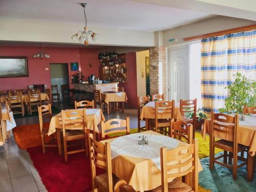 """Εστιατόριο ή άλλο μέρος για φαγητό στο HOTEL """"ΗΡΑΙΑ"""""""