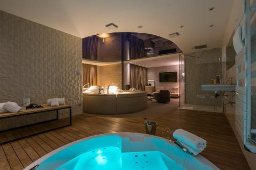 A bathroom at Oz'inn Hôtel & Spa