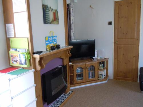 A television and/or entertainment centre at Riverside 12