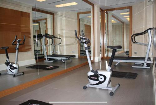 The fitness center and/or fitness facilities at City Hotel Plovdiv
