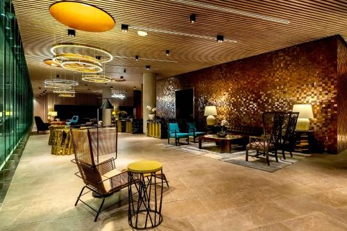A restaurant or other place to eat at Hyatt Centric San Isidro Lima