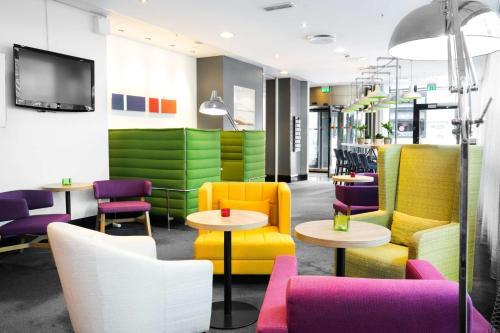 The lounge or bar area at Park Inn by Radisson Oslo