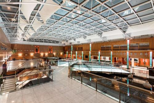 A restaurant or other place to eat at Radisson Blu Edwardian Heathrow Hotel & Conference Centre, London