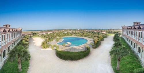 Uma vista da piscina em Radisson Blu Resort, Al Khobar Half Moon Bay ou nos arredores
