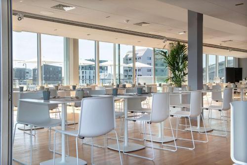 Restaurant ou autre lieu de restauration dans l'établissement Radisson Blu Hotel Bordeaux